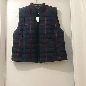 ANN TAYLOR LOFT  new tag still on puffer vest navy